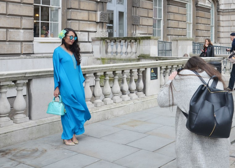 Spinninstyle-RiyaAris-LondonFashionWeekAW15-FashionWeek-Malaysia-Outfit-OOTD-002-Kaftan-bajukurung-blue-shoesshoesshoes-louisvuitton-Quay