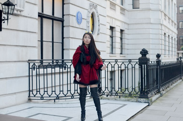 Spinninstyle_11_london_property_quay_kittie_tree_poncho_oxfordstreet_Malaysian_Malaysia_ThighHighBoots_Ootd_London_Fashion_blogger_OxfordCircus_White_property.jpg